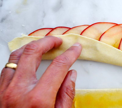 Cách làm Bánh táo hoa hồng