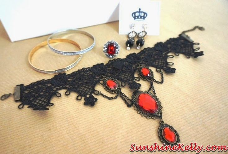 Fashion Culture Box, Fairytale Series, queen of hearts, fashion accessories, review, fashion box giveaway, fashion box, choker, necklace, bangles, earrings, ring