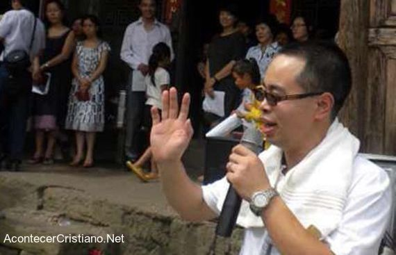 Pastor sale libre de prisión en China
