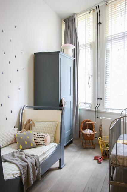 decoracao-quarto-criancas-cinza-duas-camas-papel-parede