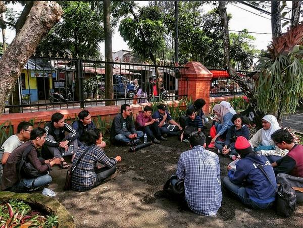Ngaleut Revolusi di Bandung