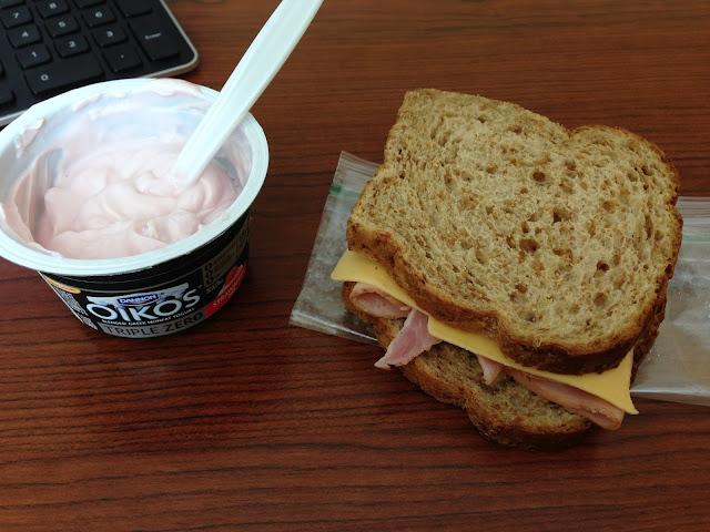 makanan berbahaya Yogurt Dengan Ham
