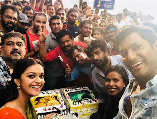 Keerthy Suresh with Vishal Celebrating The Success of their recent Blockbusters in Pandemkodi2 Shooting Spot 2