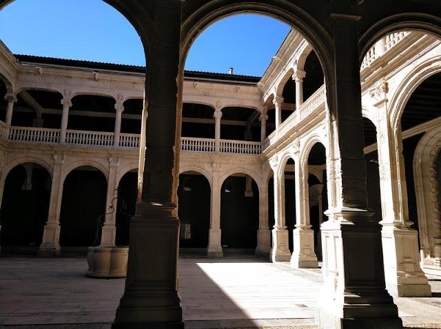 Patio central del Palacio de Avellaneda