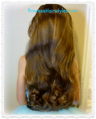 Heatless curls using bun maker