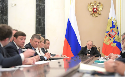 Vladimir Putin at the meeting with Government members.
