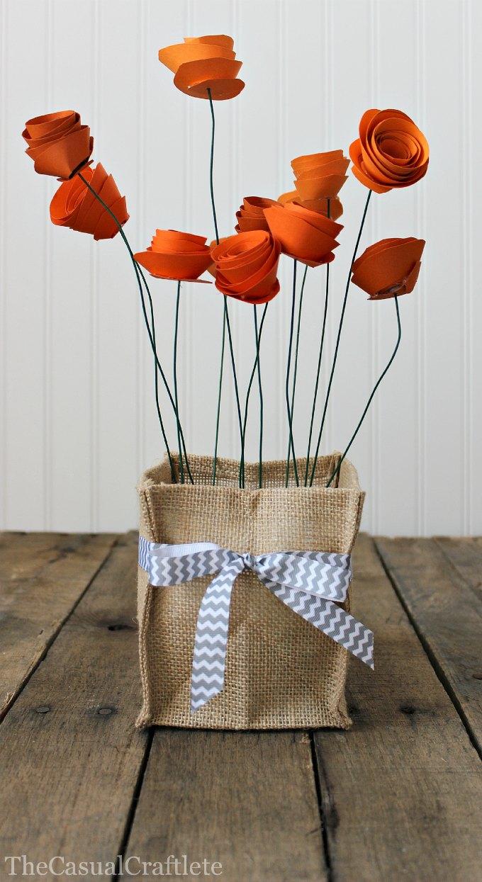 6+Burlap Vase Holder 16 Spring Home Decor Projects 40