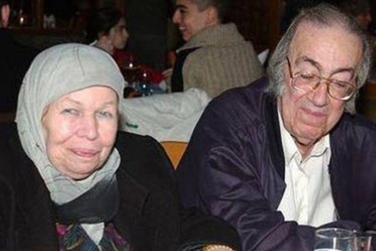 Dündar Abdülkerim Osmanoğlu Efendi yaşamını Şam'da sürdürüyor.