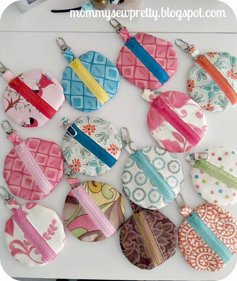 """20 Handmade Christmas Gifts to Start Sewing Now July 10, Well folks, you've seen the signs: the red and green aisle at Hobby Lobby, the expression """"Christmas in July"""" floating around."""