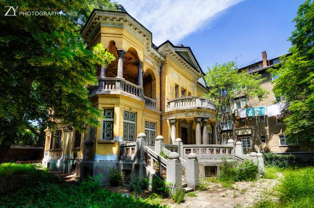 Casa Fresas mansión abandonada Sofía Bulgaria