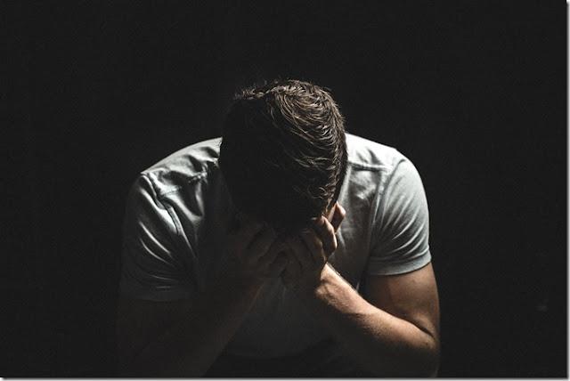Mengatasi Rasa Takut Agar Tampil Percaya Diri Saat Presentasi