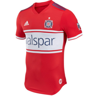 Otros aspectos destacados de la camisetas de futbol Chicago Fire 2018-2019  incluyen  2717c79c441fb
