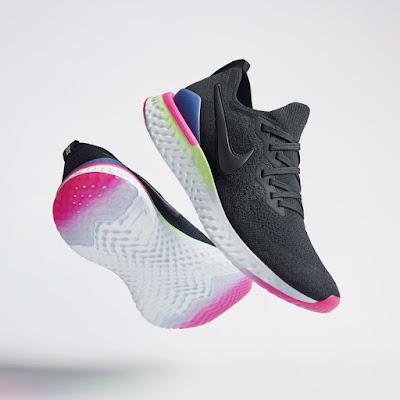 Nike Epic React Flyknit 2 na cor preta