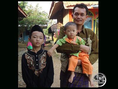 """Foto admin dan anak - anakku """"Gugum"""" si sulung dan """"Gigin"""" si Bungsu Jepretan tahun 2015"""