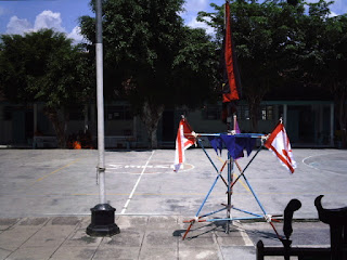 Membuat tiang bendera berlantai beton