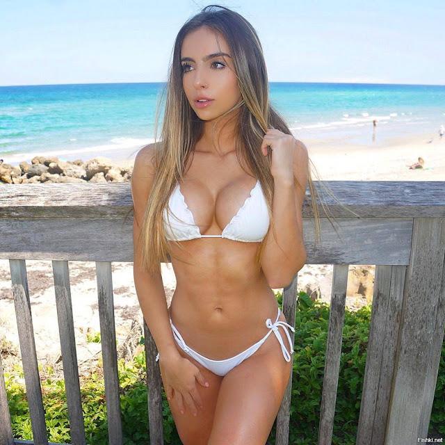 Bruna Lima nipples