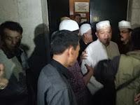Alhamdulillah, Ustad Al Khaththath Hirup Udara Bebas, Disambut Umat
