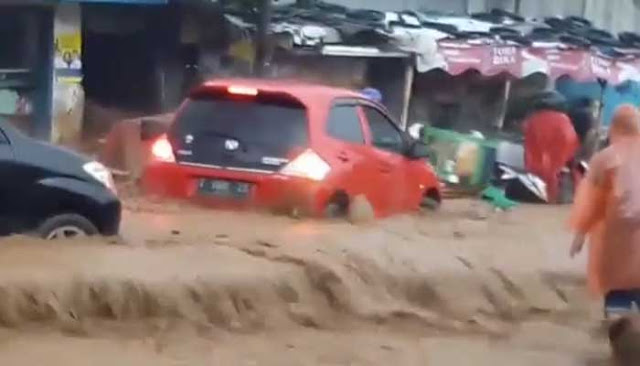 Ternyata Ini Penyebab Banjir Bandang di Bandung