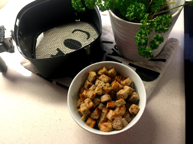 Simple croutons to add a little salad magic.