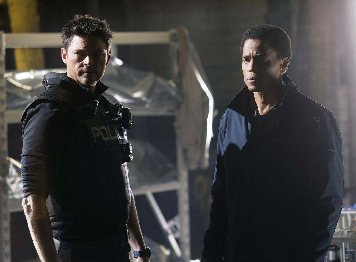 Watch Almost Human Season 1 Online Free | Putlocker