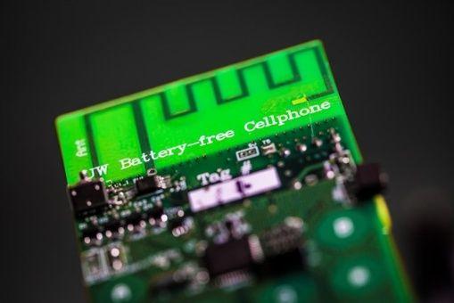 Crean celular que no necesita batería