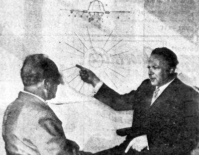 George Klein a destra durante un'intervista