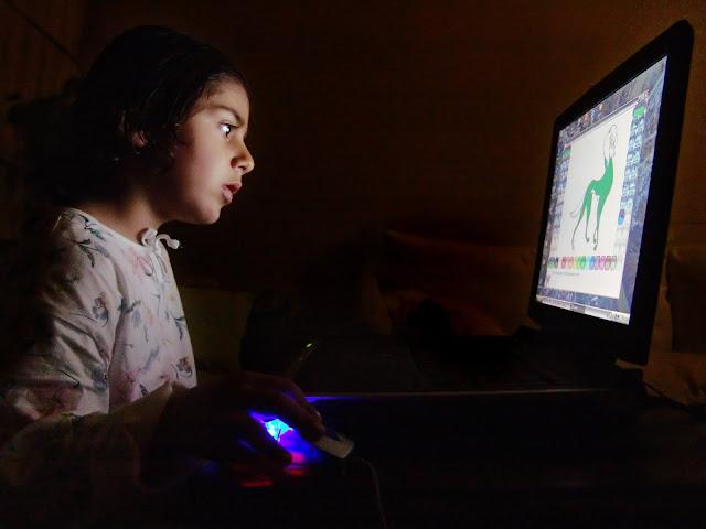 3 Tips Bagi Orang Tua Agar Anak Tidak Kecanduan Internet