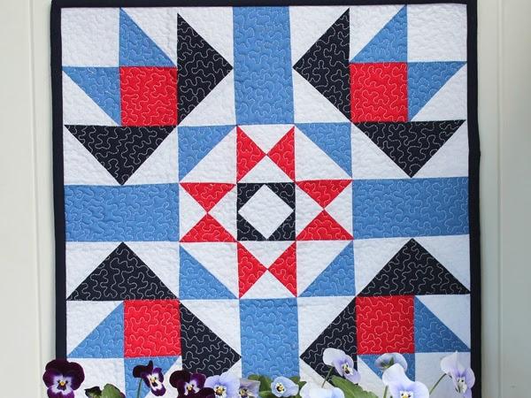 Barn Star Mini Quilt + Your Free November Calendar