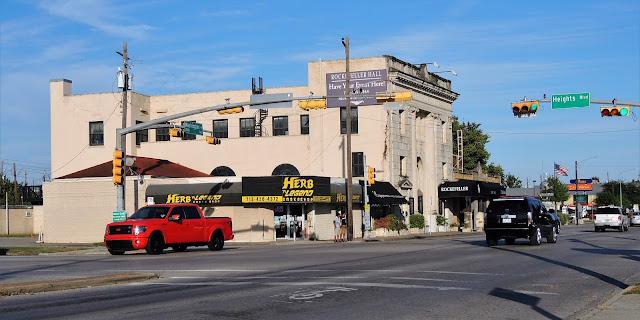 Washington Ave @ Heights Boulevard