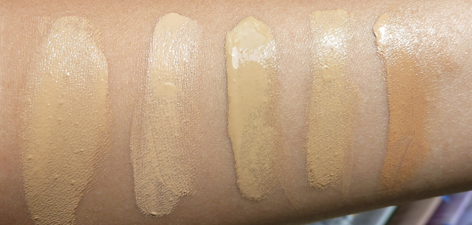 My Beauty Hoard Chanel Perfection Lumiere 40 Beige Swatches And Review