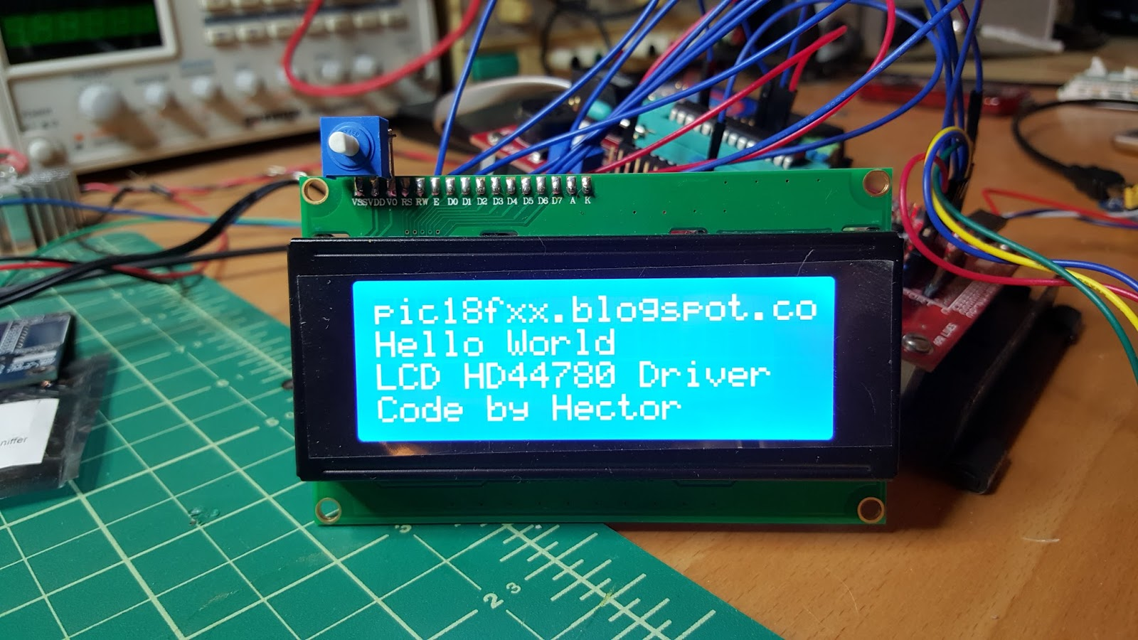 Library for LCD HD44780  ~ Projects with PIC18F microcontrollers