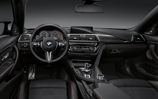 2018 BMW M4 Coupe Cabin