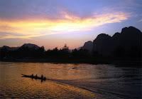 Du lịch Lào: Tôi đã bị Vang Vieng bỏ bùa mê