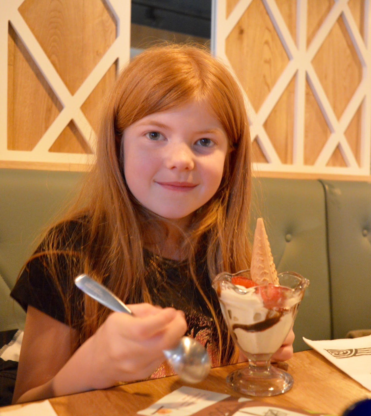Remembering Metroland with Family Dining and the Kid's Menu at Pizza Express intu Metrocentre - strawberry sundae