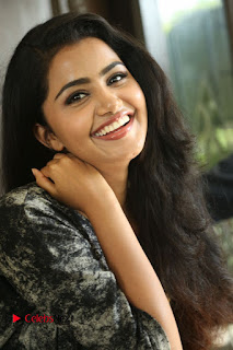 Actress Anupama Parameshwaran Pictures in Jeans at Premam Movie Interview  0131.JPG