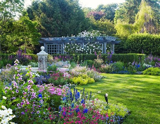Luscious English Style Garden in Long Island, NY ...