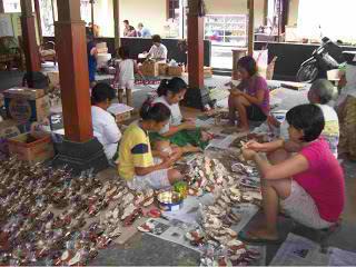 proses produksi produk souvenir pernikahan lakeisha souvenir