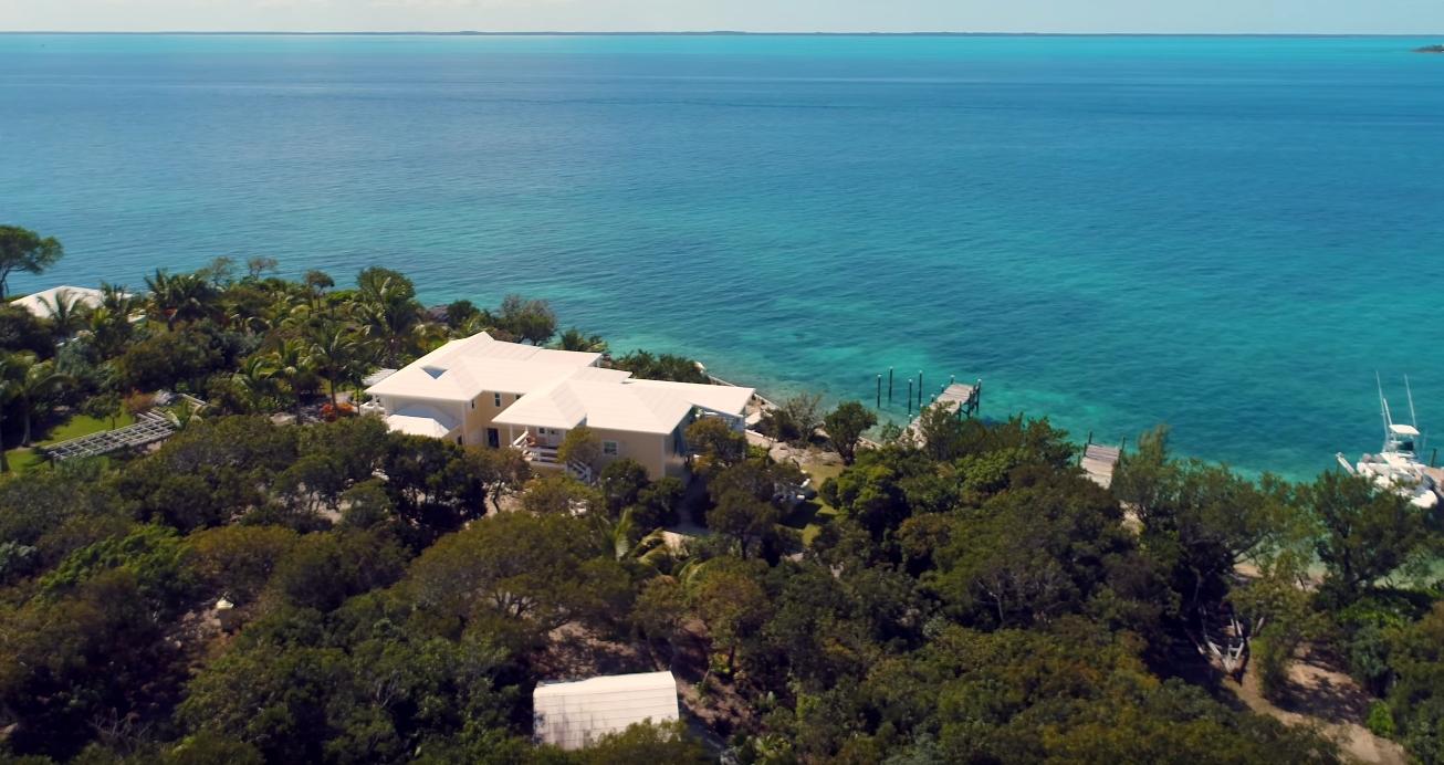 12 Photos vs. Coco Di Mama Bahamas vs. Home Interior Design Tour