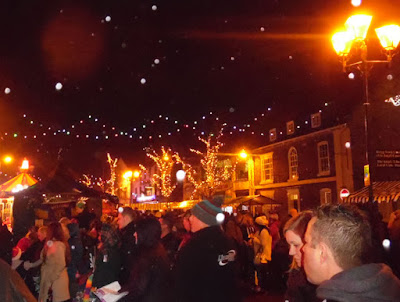 Brigg Christmas Lights switch on 2016, market, fair & late night shopping - picture 8 on Nigel Fisher's Brigg Blog