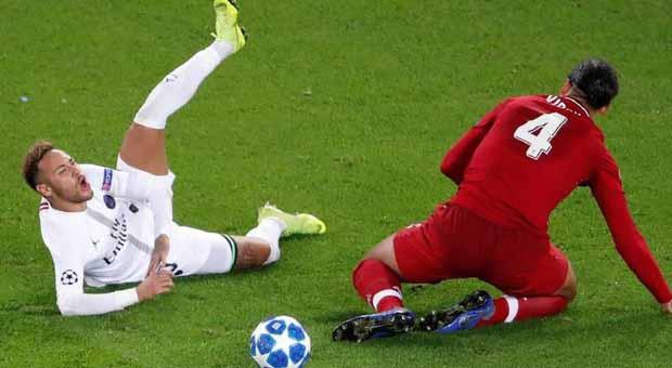 Kemenangan PSG atas Liverpool Diwarnai Banyaknya Aksi Diving