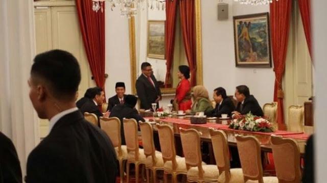 Wow, Momen Langka, Ada Tawa dan Canda Jokowi bersama Oposisi di Meja Istana Negara