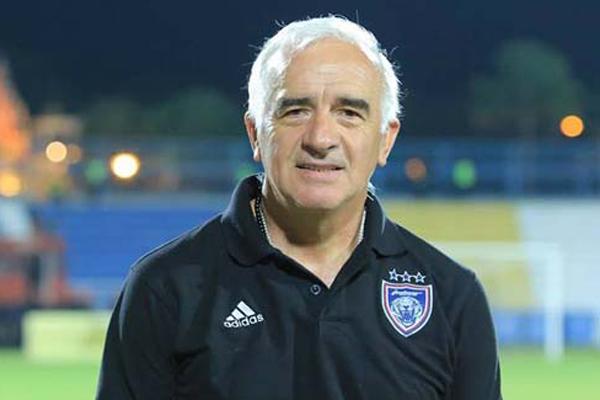 Roberto Carlos Mario Gomez Pelatih Persib