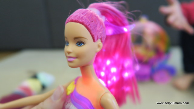 Barbie Dreamtopia Rainbow Cove Light Show Princess