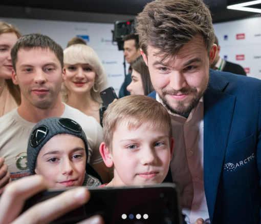 Le champion du monde d'échecs Magnus Carlsen remporte le tournoi rapide avec 11,5 points sur 15 devant Alireza Firouzja et Hikaru Nakamura à 10,5 points - Photo © Lennart Ootes