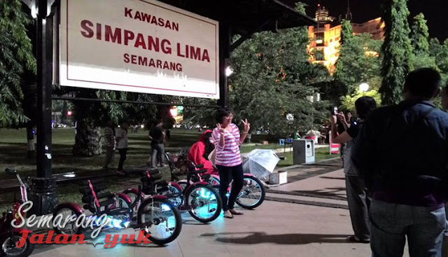 Simpang Lima Semarang Obyek Wisata di Semarang Yang Paling Populer