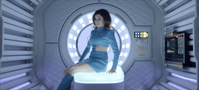 La protagonista (Cristin Milioti) entra a la fantasía virtual de USS Callister