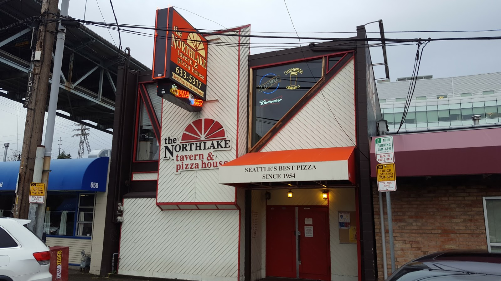 Jeeps pubs taverns and bars northlake tavern and pizza house seattle washington u s a - Round table pizza university place ...