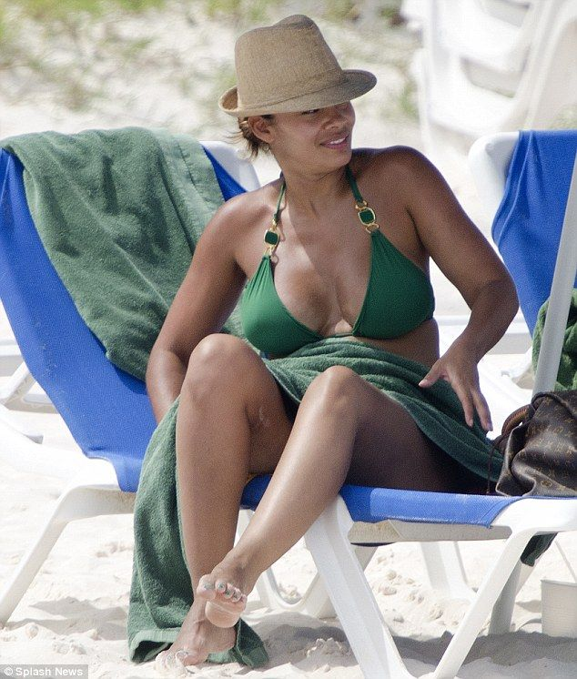 lozada bikini evelyn