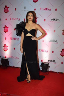 Kriti Sanon at Femina Beauty Awards 2017 005.jpg