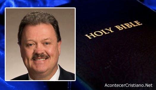 Legislador proyecto de ley Biblia libro oficial